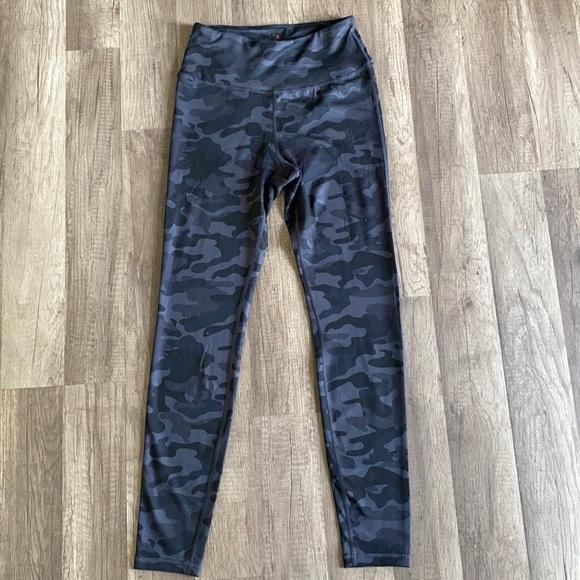 Danskin  sports leggings size S